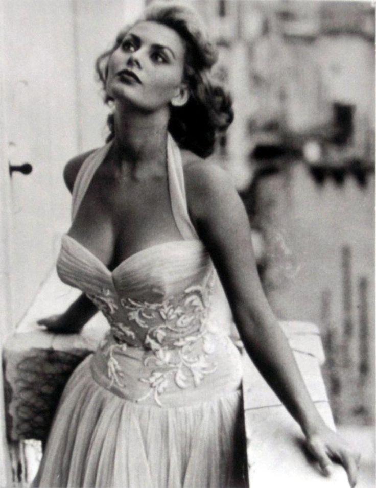 Vintage Photography Young Sophia Loren Vintage Tn Leading Vintage Magazine Featuring Best Vintage Inspiration Retro Ideas And Rare Historical Photos